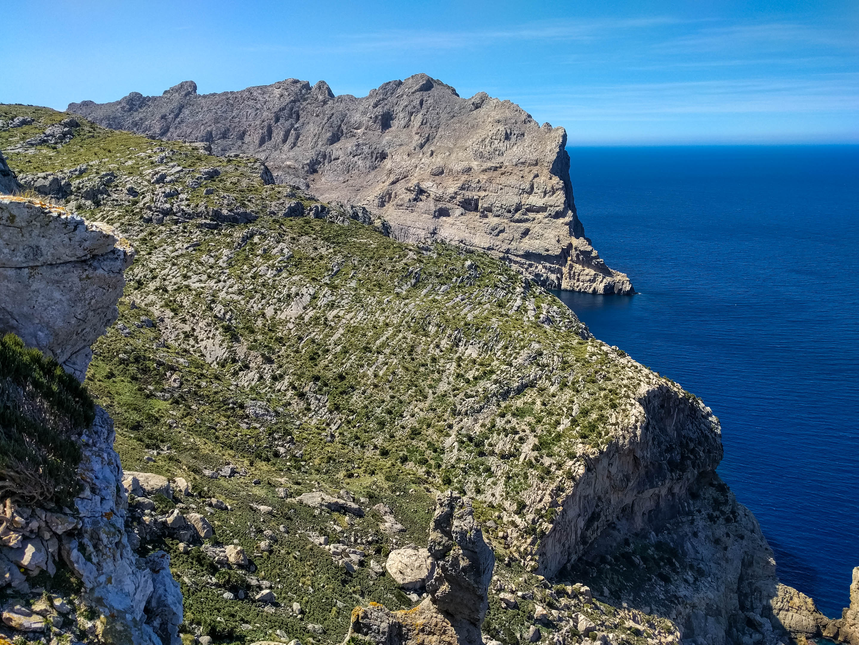 Steilküste am Mirador Es Colomer