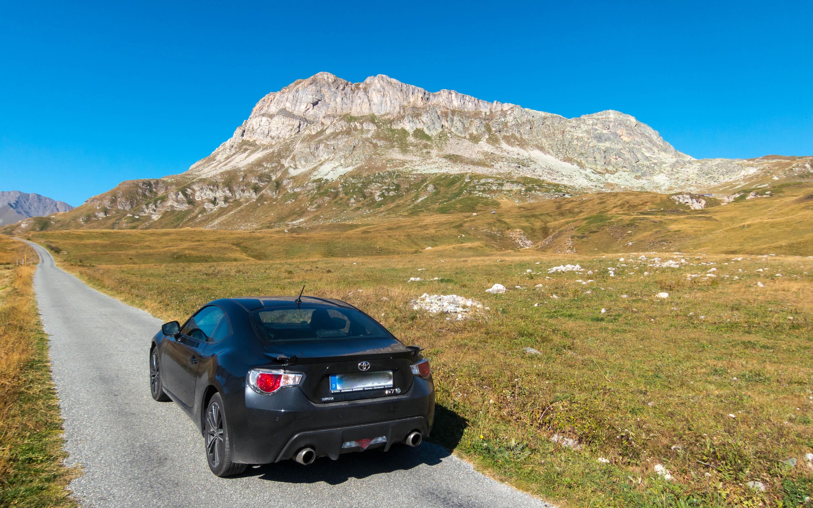 Col du Petit Mont Cenis (2128 m) - Ja, die Straße ist wirklich so schmal.
